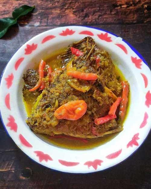 Resep Pesmol Ikan Bumbu Kuning Pedas